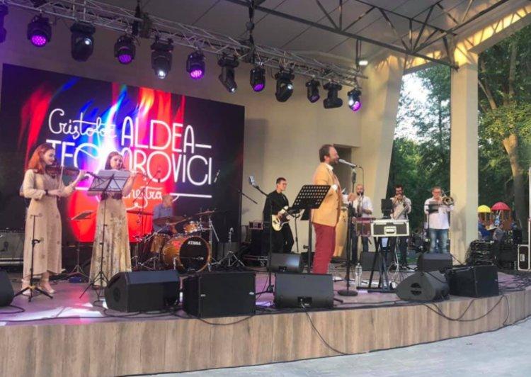 """Festivalul Mediului din Moldova, ediția 2021 Câteva sute de persoane s-au adunat în această seară în Parcul """"Alunelul"""" d..."""