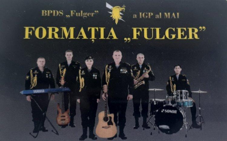 """Formația """"FULGER"""" prezintă un concert divers în parcul """"Alunelul"""""""